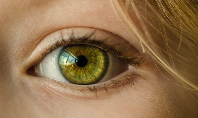 lighter eye