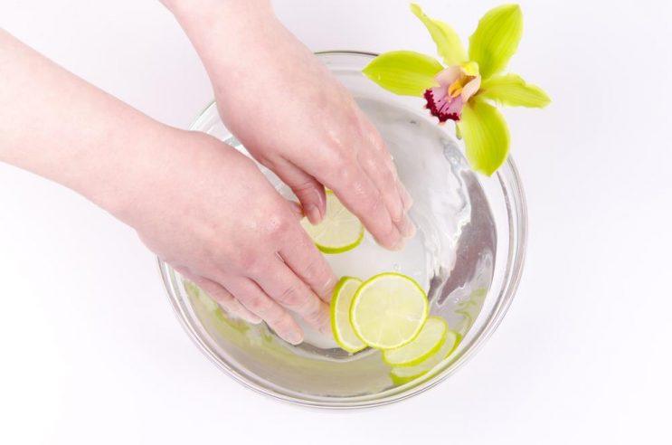 how to remove shellac nail polish