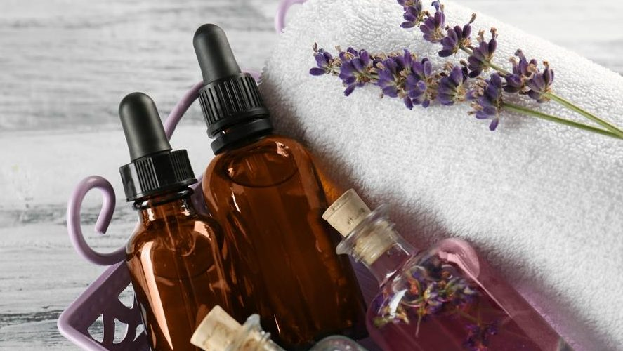 Top 6 Wonderful Essential Oils For Rosacea Treatment