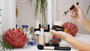 How To Set Foundation Without Powder – Best Ways To Get A Dewy Skin Ever