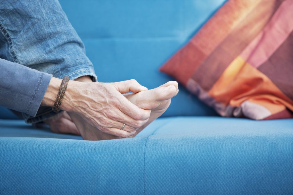 Essential Oils for Gout – The Guide You Need to Know for A Gout-Free Life