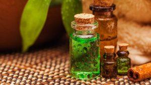 10 Powerful Essential Oils For Toenail Fungus