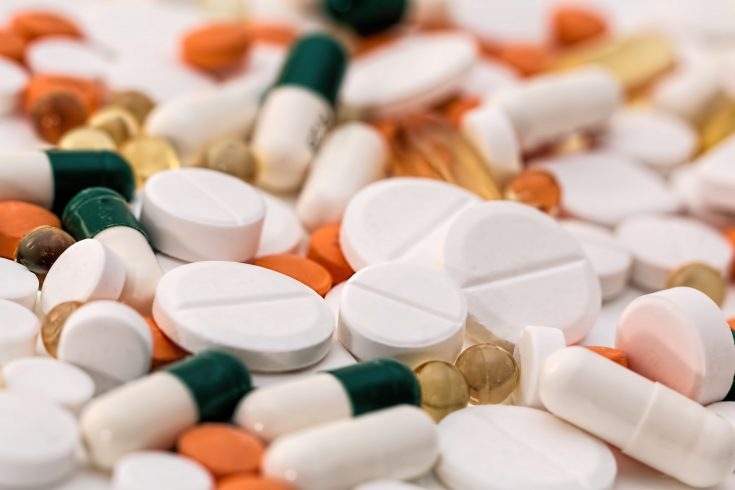 Can you take probiotics and antibiotics at the same time