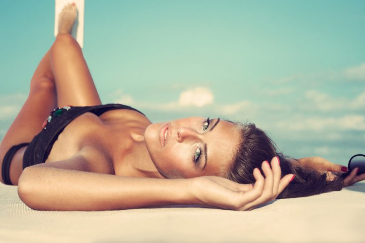 To get a good base tan, you need to take from 3 to 7 sessions
