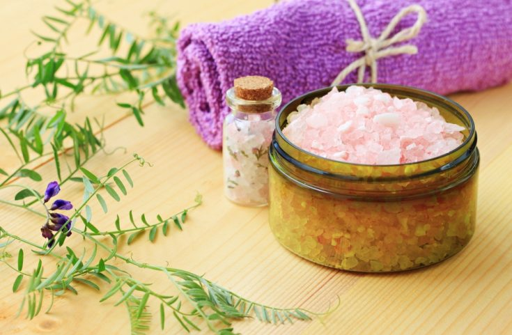 Sea salt brings about many benefits in treating acne