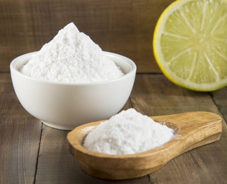 Making baking soda scrub is useful to fight acne